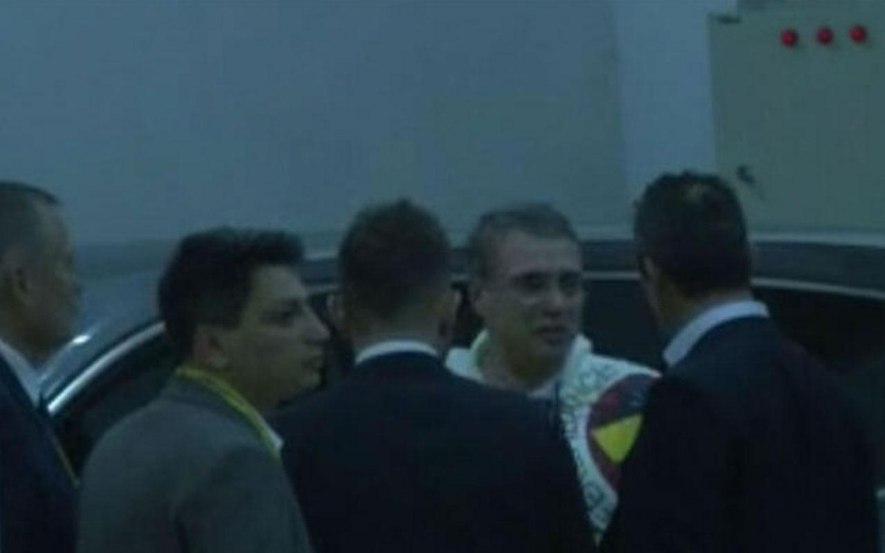 Ali Koç, maç sonu Yanal ile otoparkta sohbet etti