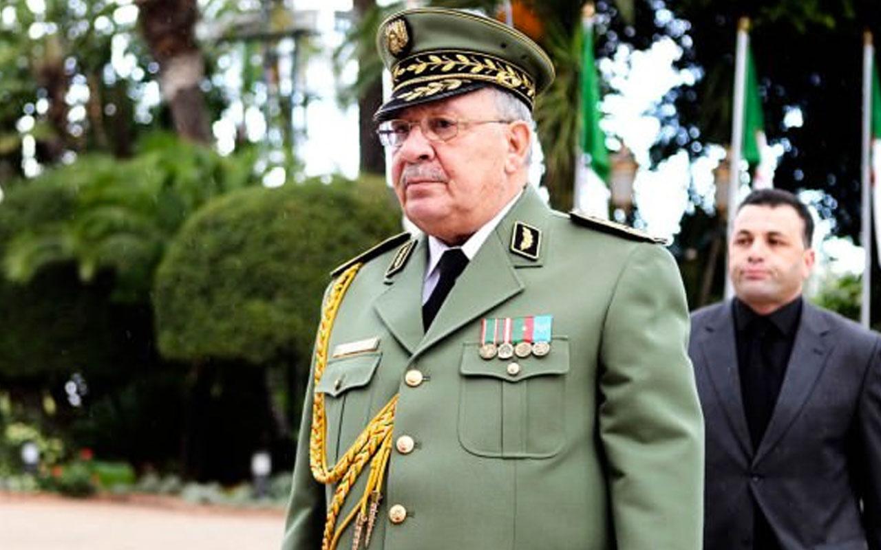 Cezayir Genelkurmay Başkanı hayatını kaybetti