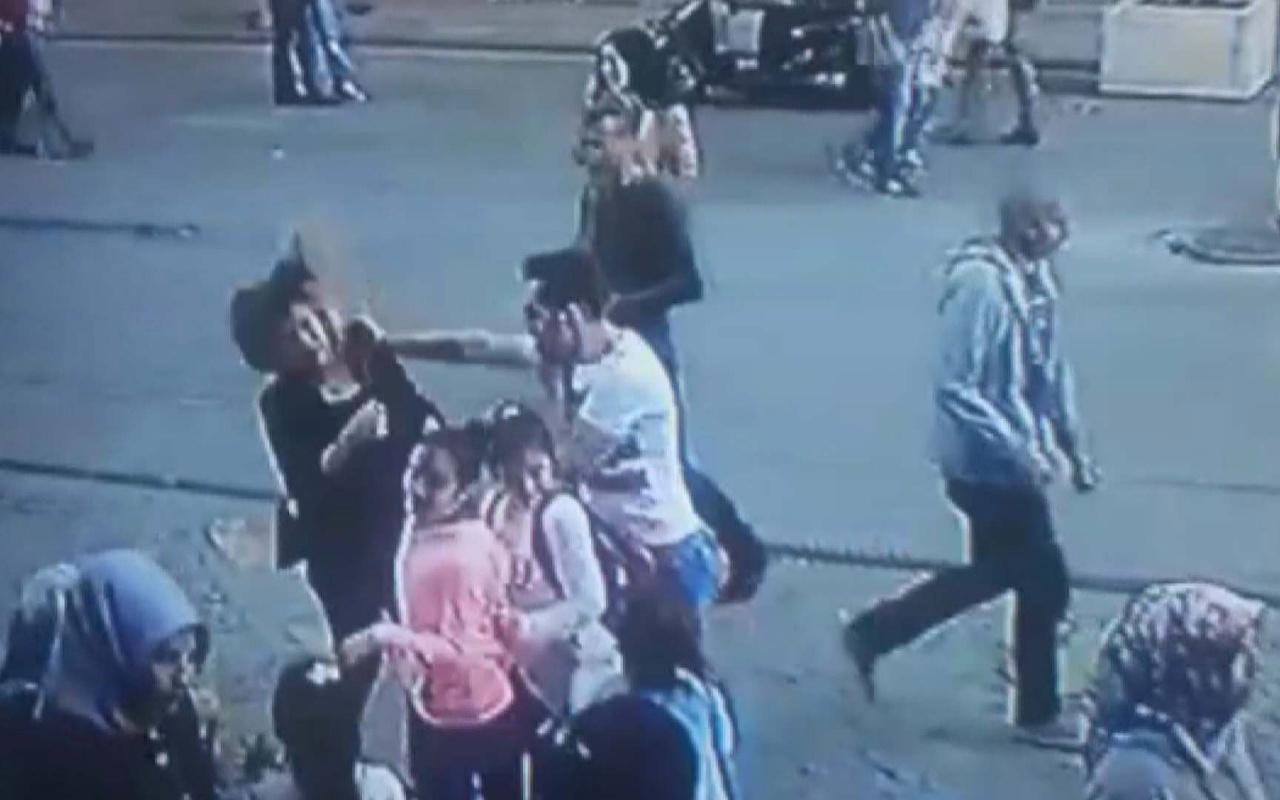 Ümraniye'de dehşet görüntüler! Herkesin içinde karısını dövdü
