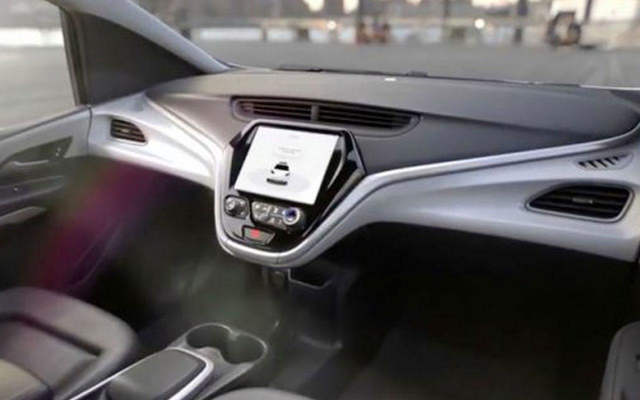 General Motors gereksiz diyerek otomobillerden direksiyonu kaldırıyor