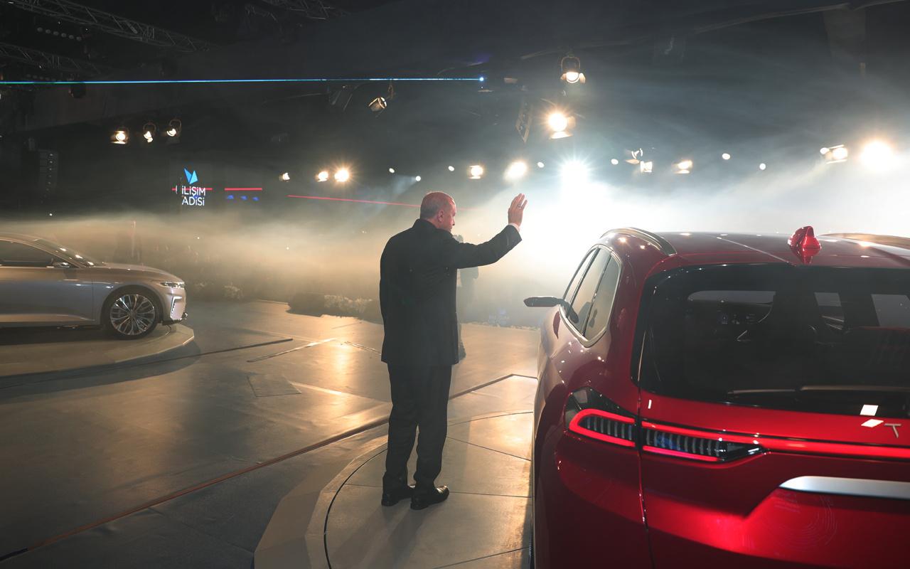 Yerli otomobilin örtüsü açıldı ilk siparişi Cumhurbaşkanı Erdoğan verdi