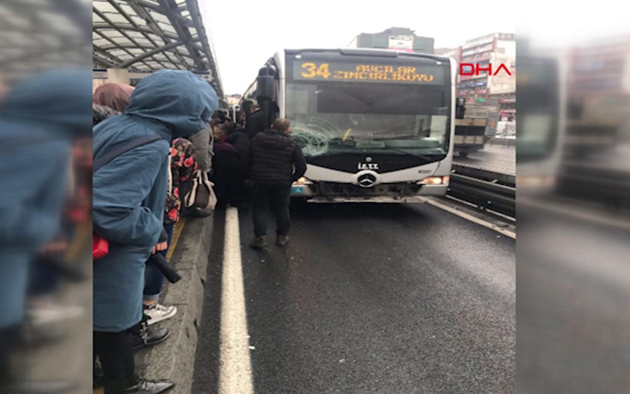 Şirinevler durağında bir yolcuya metrobüs çarptı
