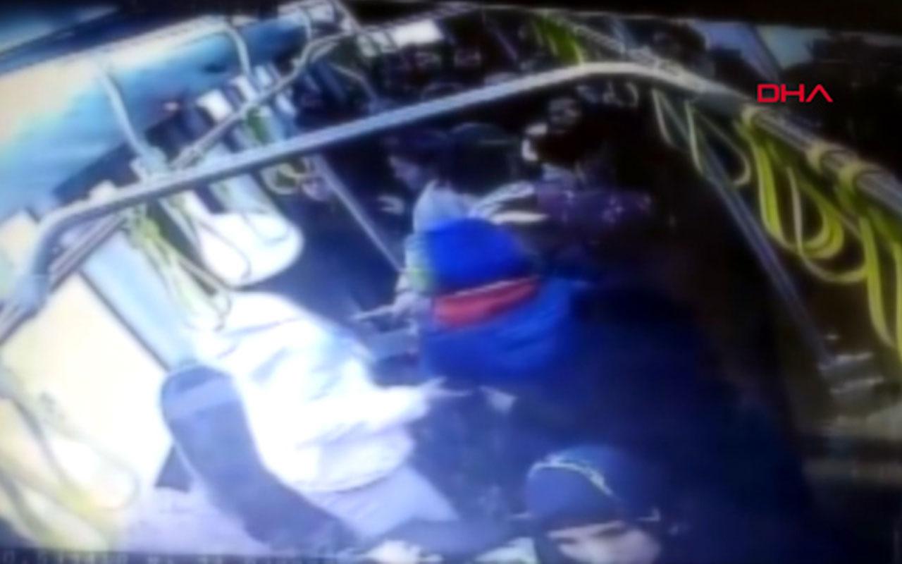 Otobüste iki genç kıza taciz şüphelisine dayak kamerada