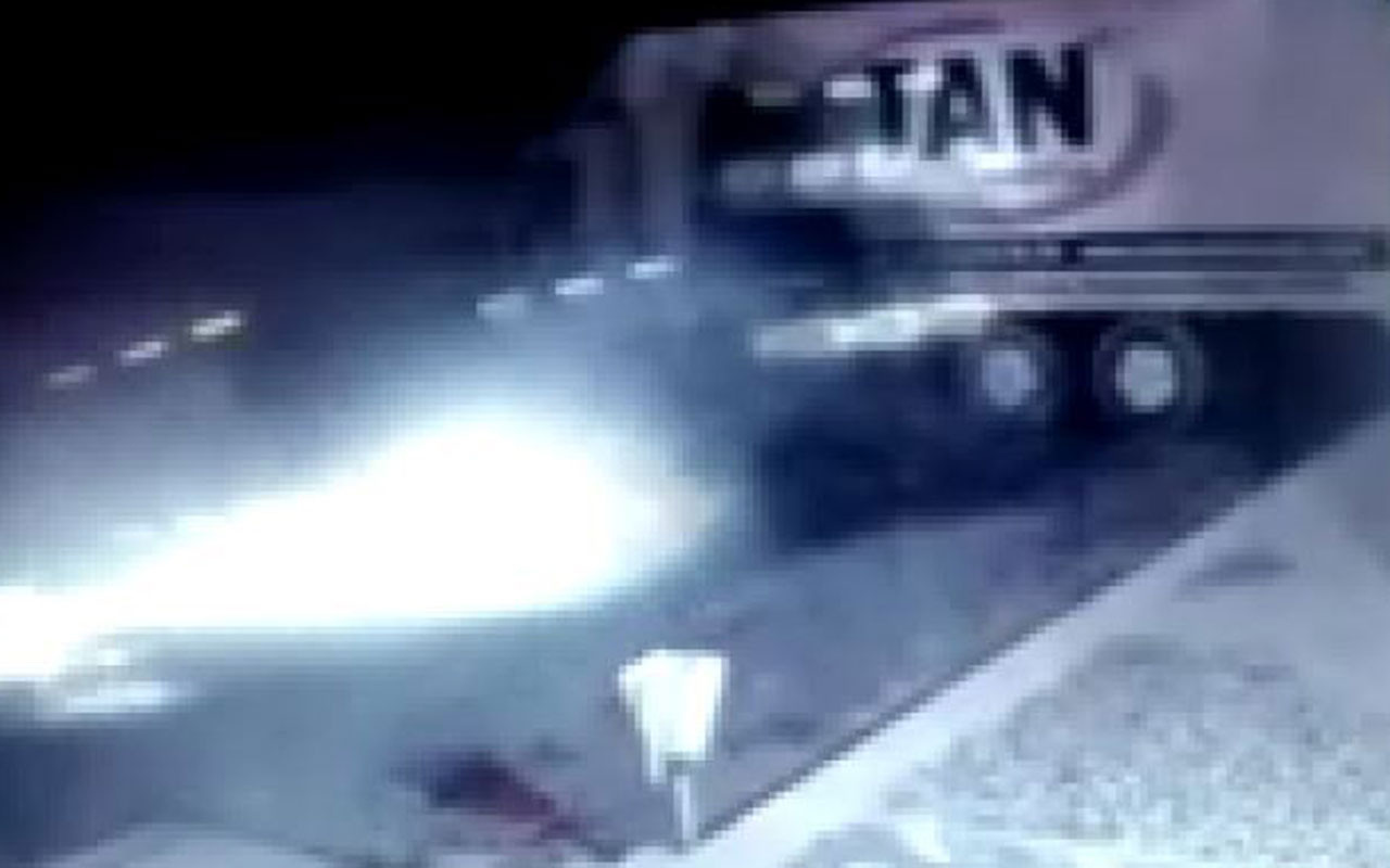 Bursa'da TIR, kamyona çarptı sonra mağazaya daldı