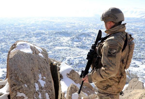 Van Tendürek Dağı'nda eksi 35 derecede vatan savunması