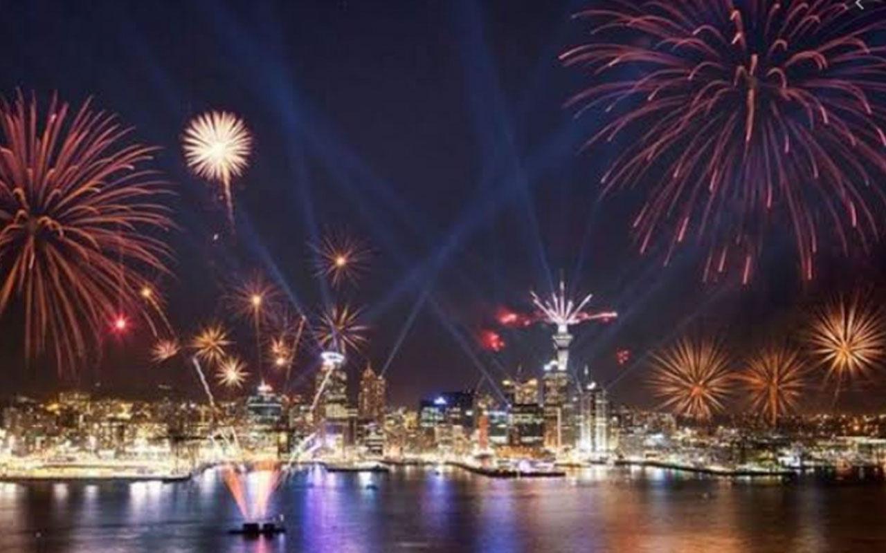 2020'ye ilk giren ülke Yeni Zelanda oldu muhteşem gösteri