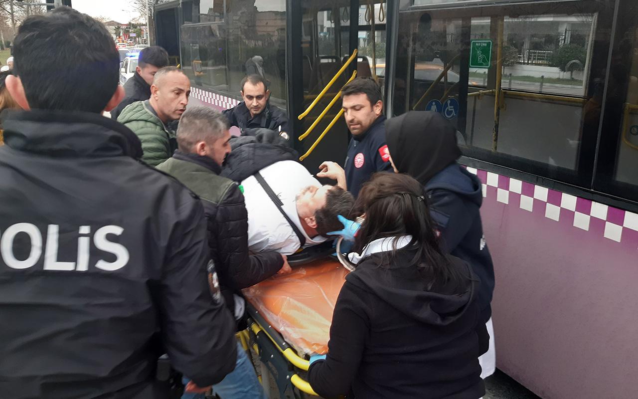 İstanbul Zeytinburnu'nda durağa yanaşan otobüsler çarpıştı 7 yaralı