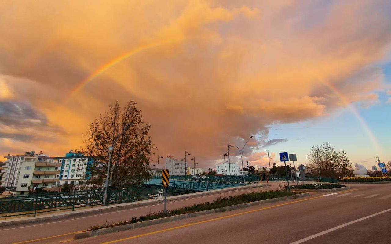 Mersin Silifke'de gökyüzünde görsel şölen