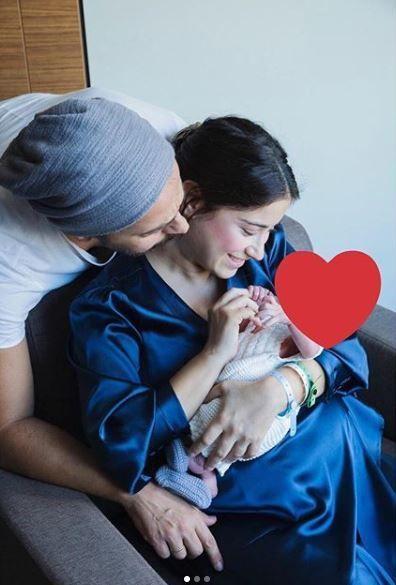 Hazal Kaya bebeği Fikret Ali'nin pozunu ilk kez paylaştı 'Mutlu yıllar' diledi