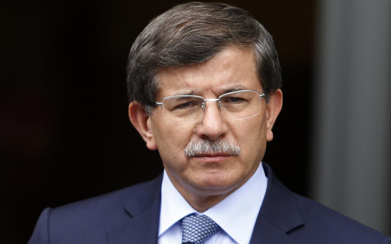 Davutoğlu'na 63 koruma 10 araç yetmedi!