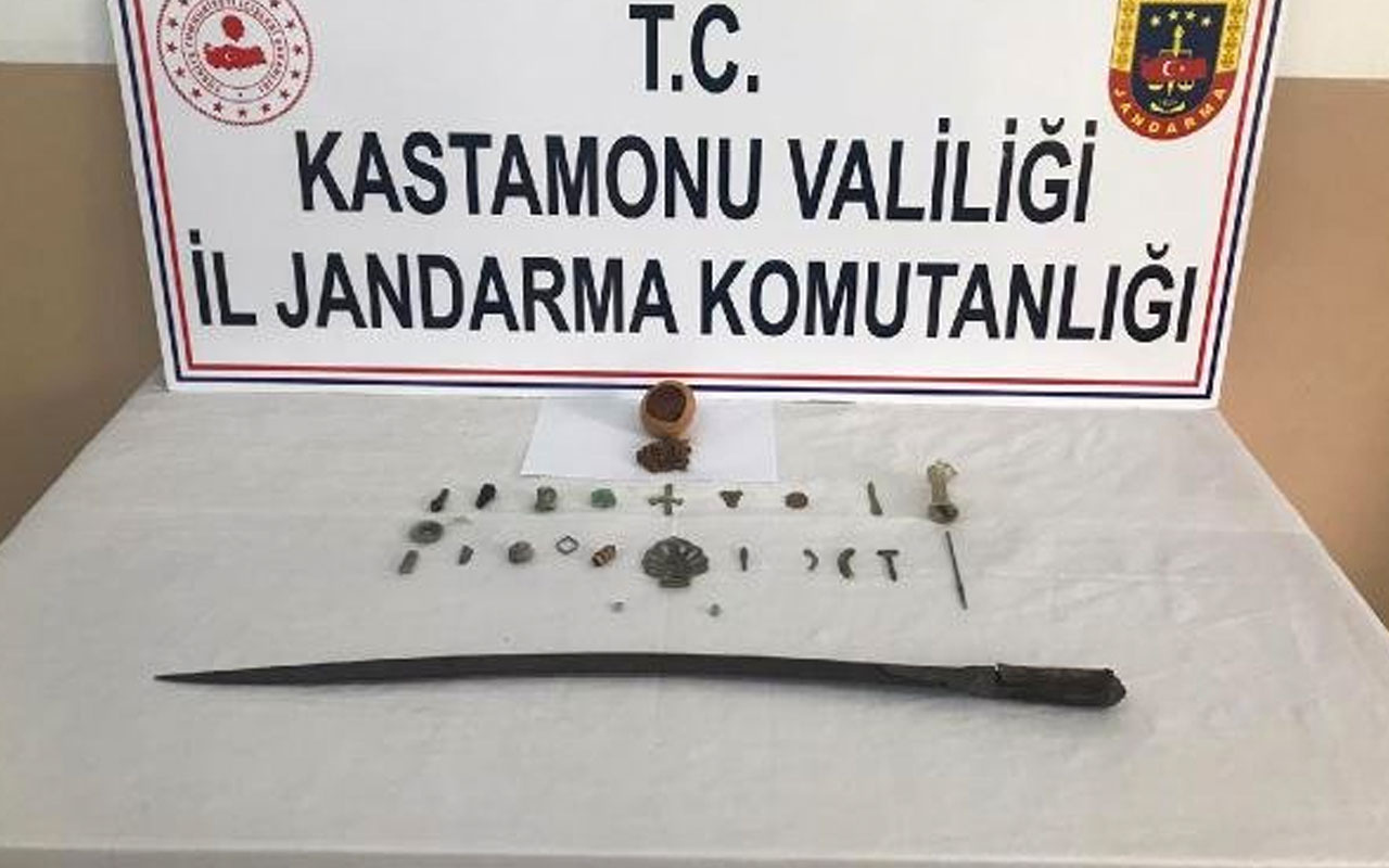 Kastamonu'da tarihi eser satmaya çalışan 2 kişi yakalandı