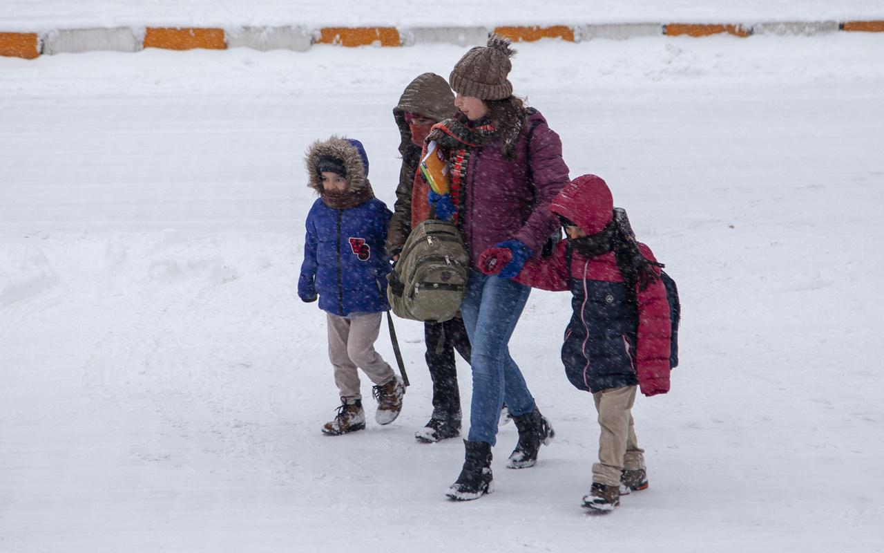 Burdur'da okullar tatil mi 7 Ocak valilik kar tatili açıklaması