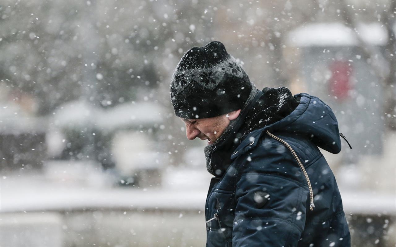 Yarım metre kar yağacak! Meteoroloji duyurdu Adana bile listede