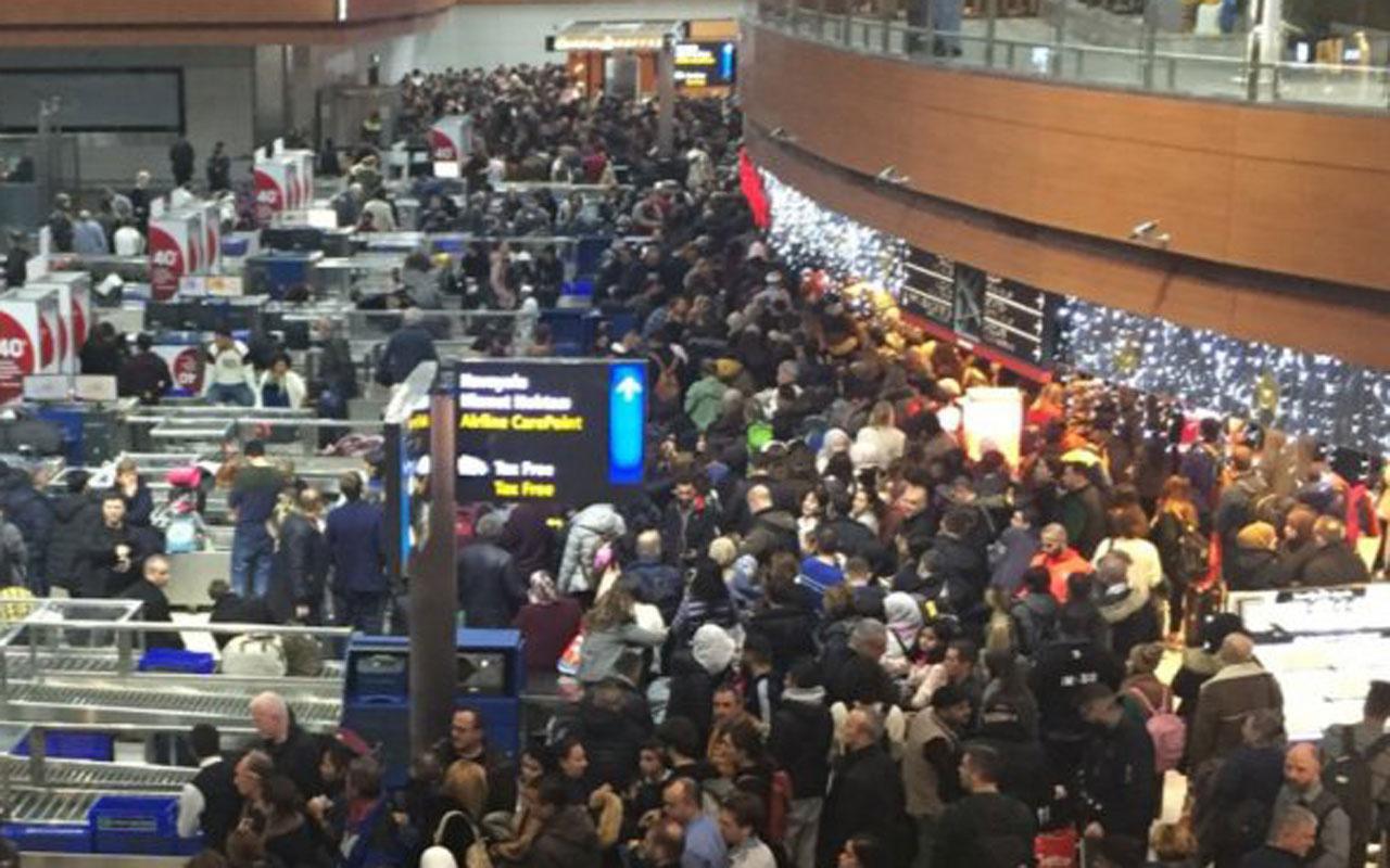 Sabiha Gökçen Havalimanı doldu taştı büyük yoğunluk