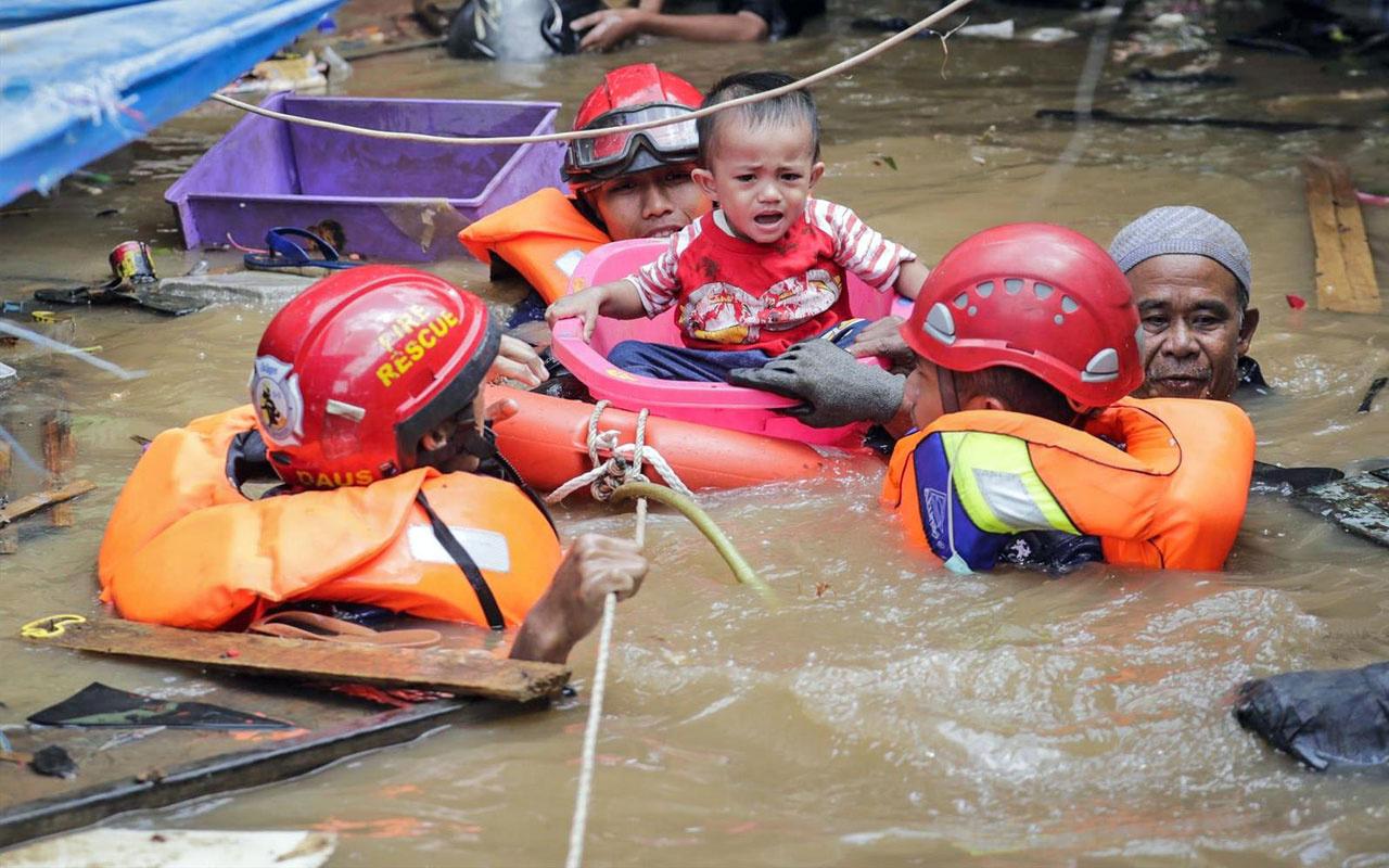 İHH Endonezya'da sel mağdurlarına ulaştı