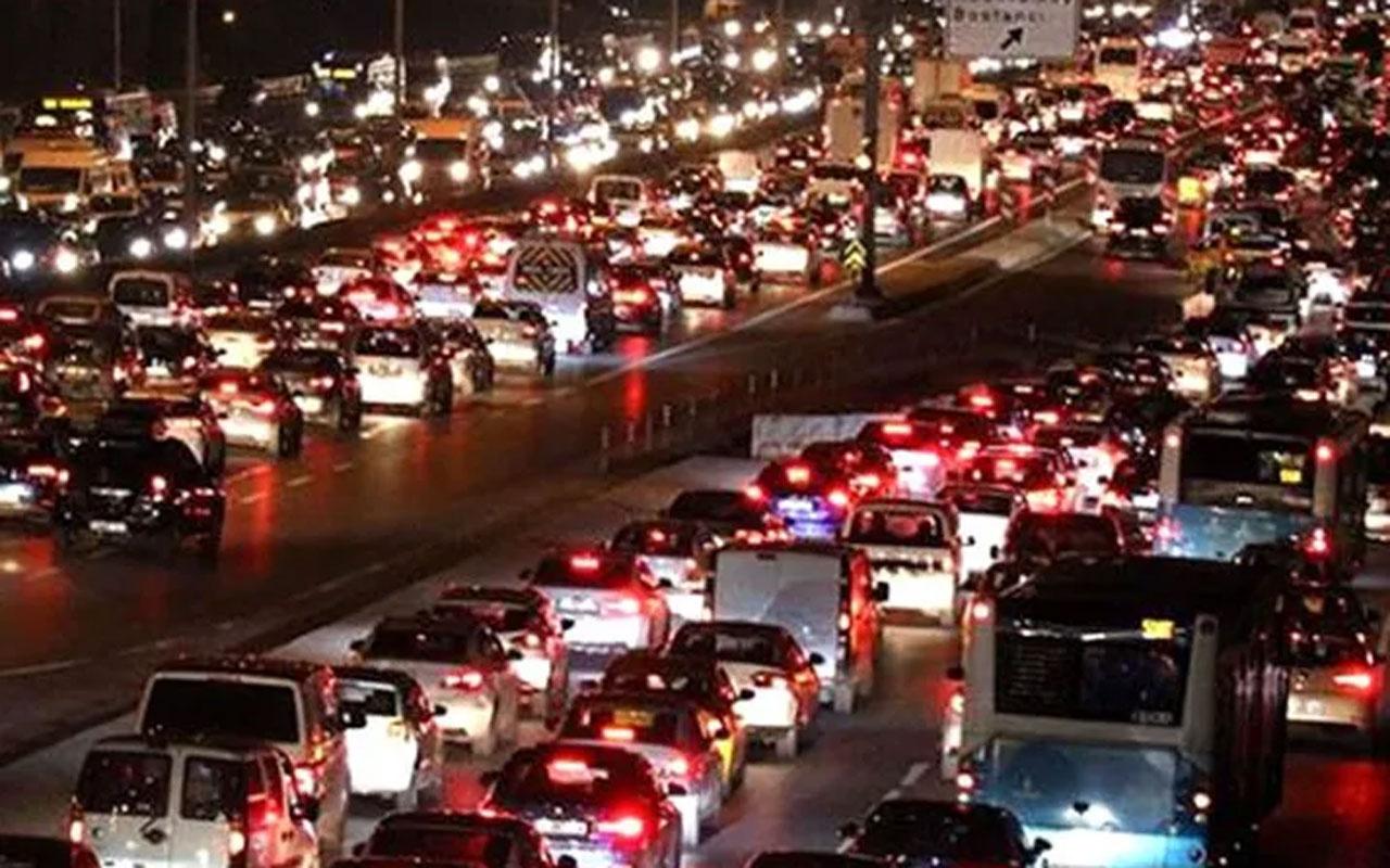 İstanbul'da yol durumu! Trafik durma noktasında İBB trafik yoğunluk haritası