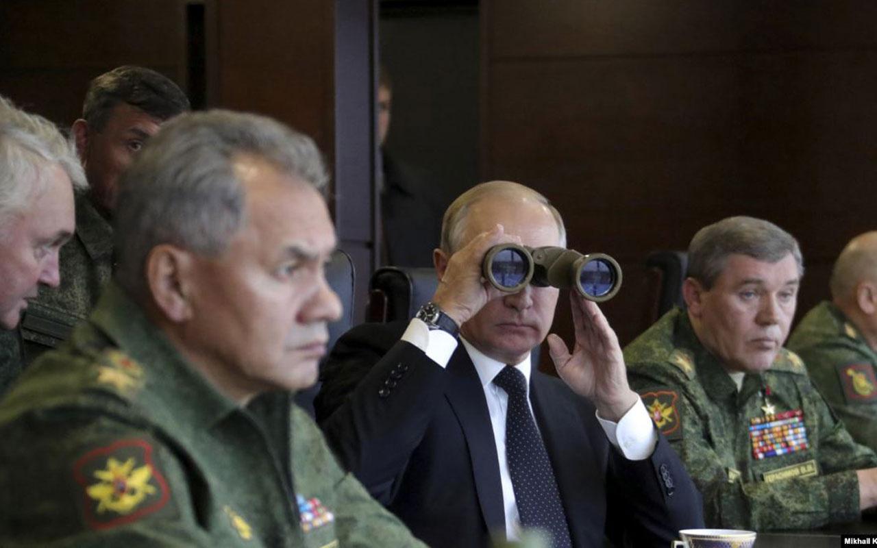 Putin Karadeniz'de Rus donanmalarının tatbikatını izledi