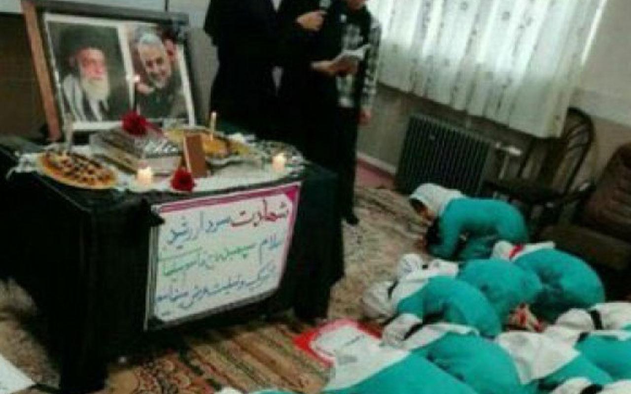 İran'da skandal görüntü! Kasım Süleymani'ye secde ettirilen çocuklar