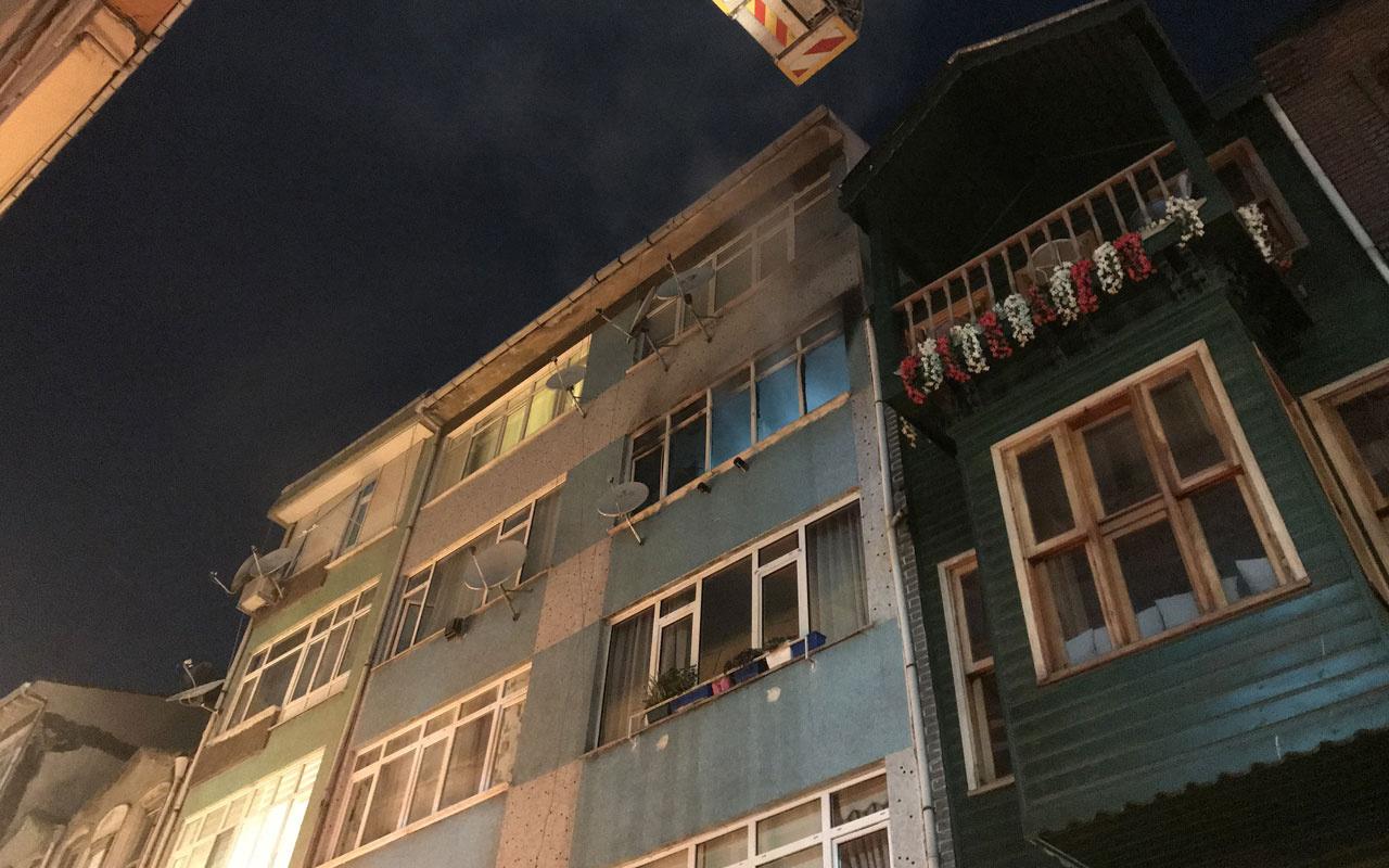Kadıköy'de çıkan yangında 4. kattan atlayan 1 kişi öldü