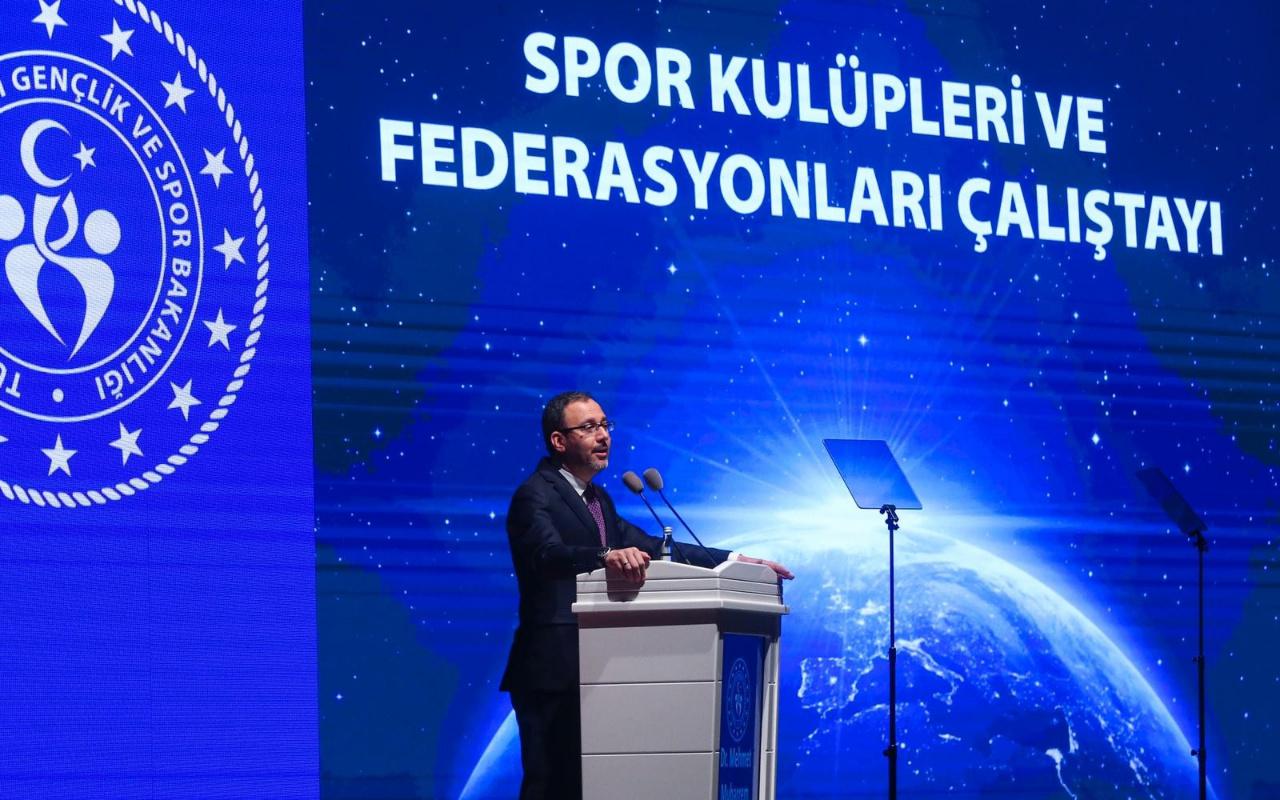 Bakan Kasapoğlu'ndan Spor Kulüpleri ve Federasyonları Yasası açıklaması