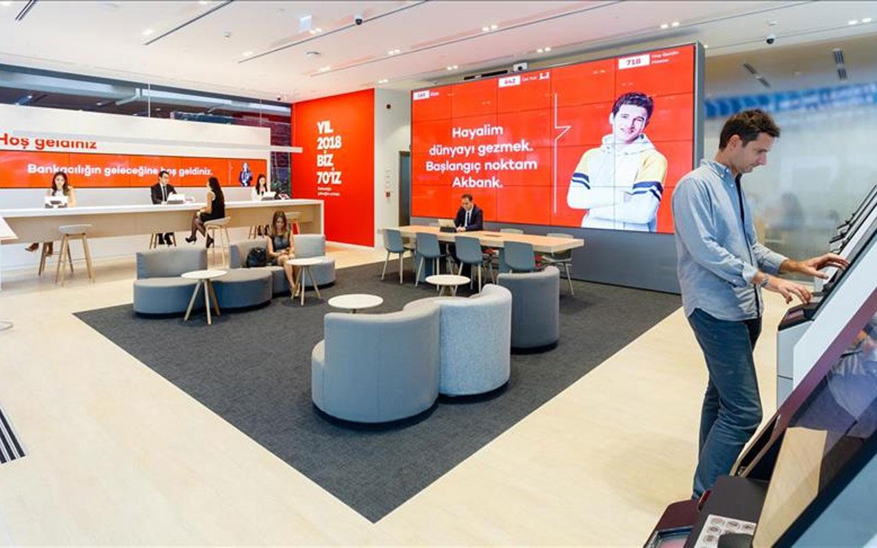 """İhracatçılar Akbank'ı """"Türkiye'nin En İyi Dış Ticaret Bankası"""" seçti"""