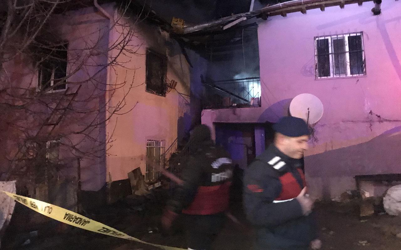 Niğde'de iki katlı evde çıkan yangında 4 kişi öldü