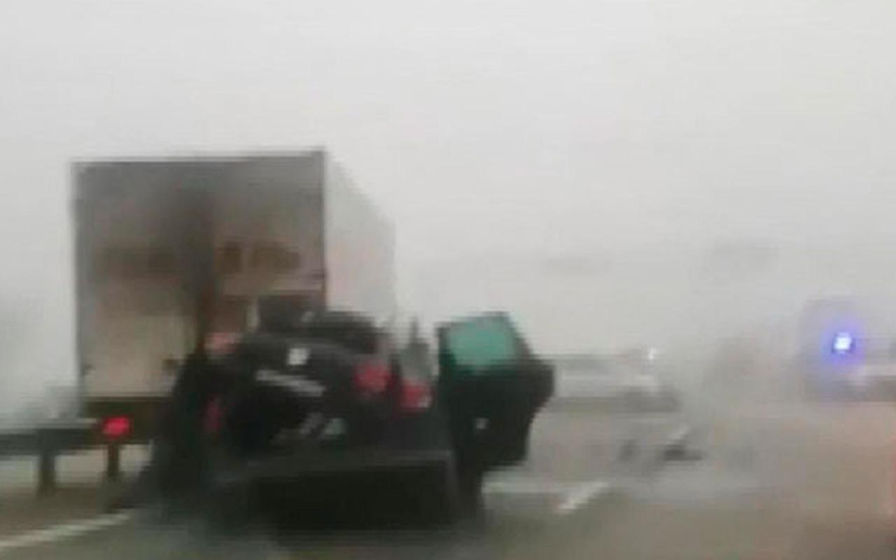 Rusya'da 20 aracın karıştığı zincirleme kaza kamerada