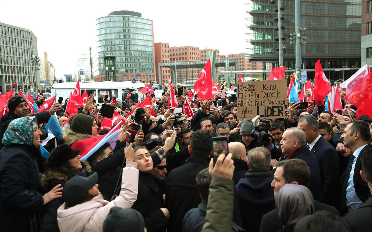 Cumhurbaşkanı Erdoğan'ı Berlin'de gurbetçiler yalnız bırakmadı