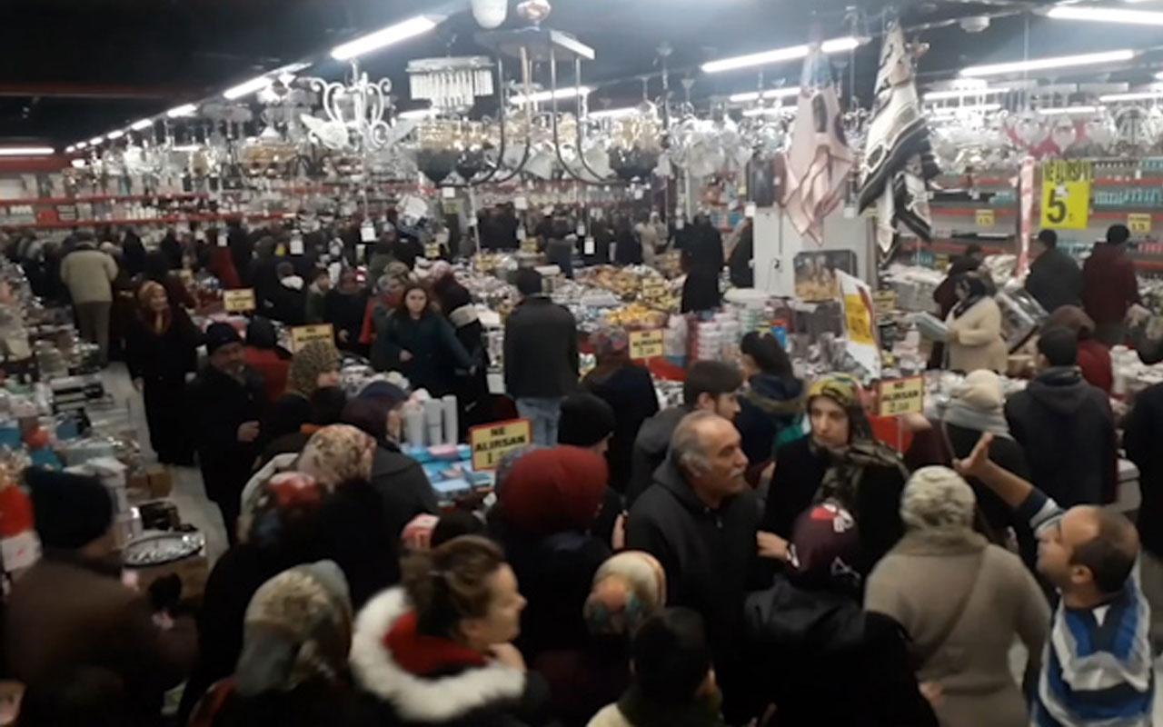 Konya'da indirim sebebiyle vatandaşlar izdihama yol açtı