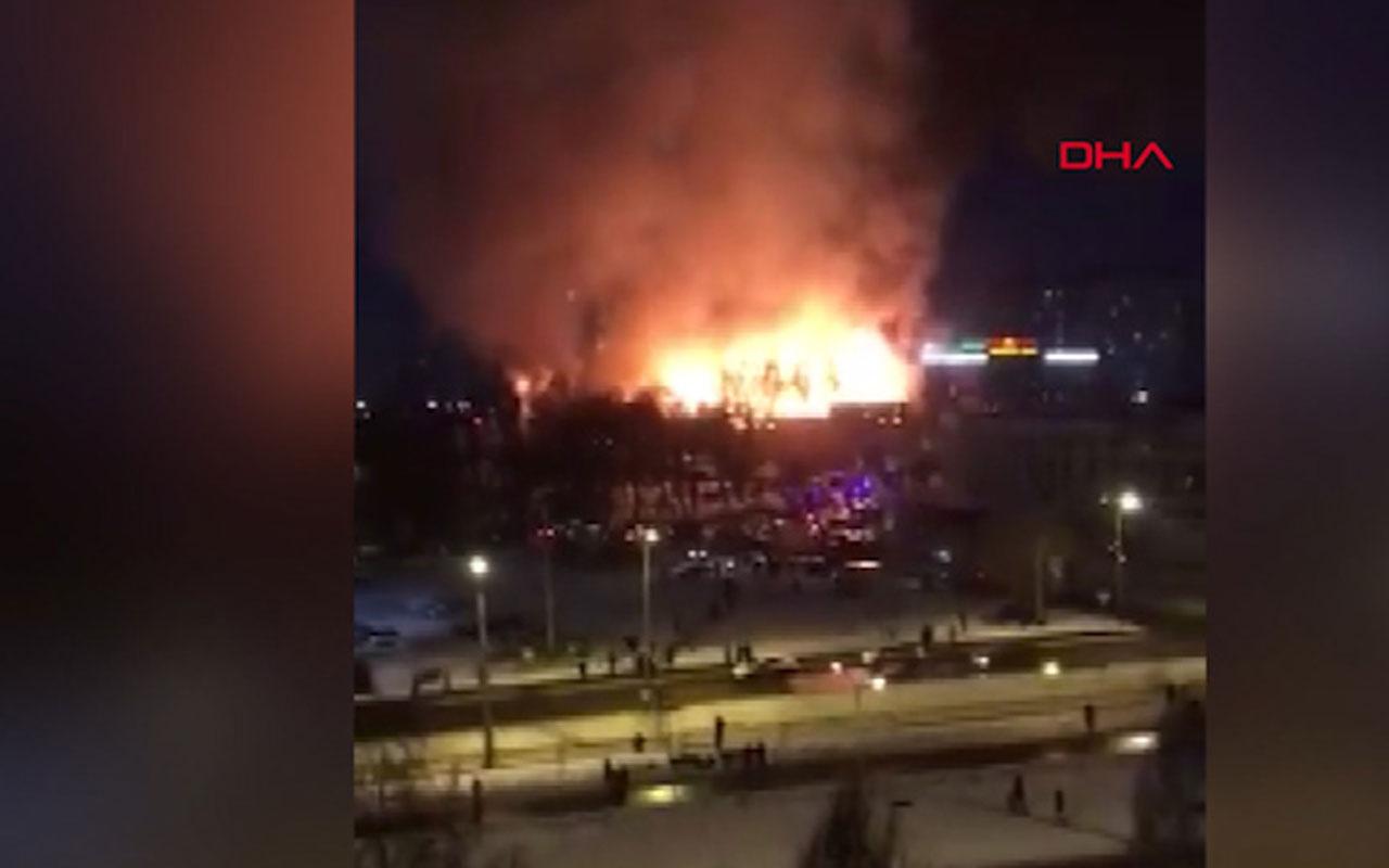Rusya'da restoran alev alev yandı