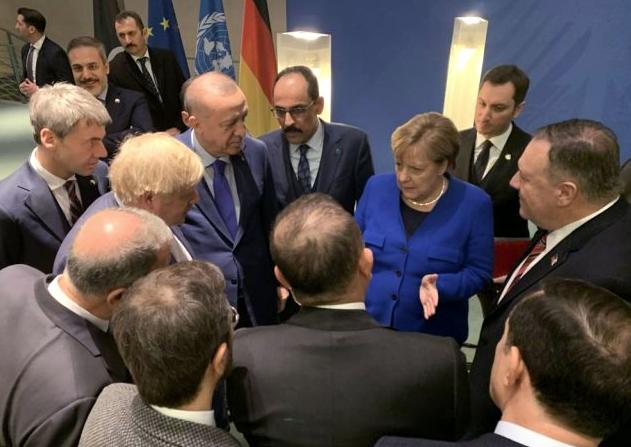 Dünyanın kitlendiği Berlin Konferansı'ndan çarpıcı kareler