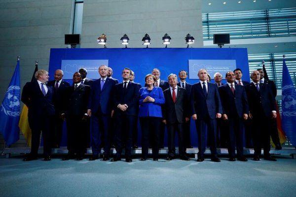 Cumhurbaşkanı Erdoğan ve Macron'dan samimi pozlar