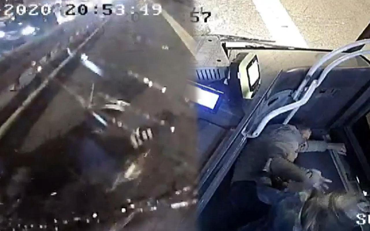 Motosikletin metrobüsle çarpışma anı kamerada