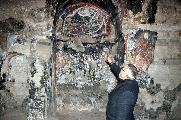 Tarihi kiliseyi defineciler yağmaladı! Ne var ne yok talan edilmiş