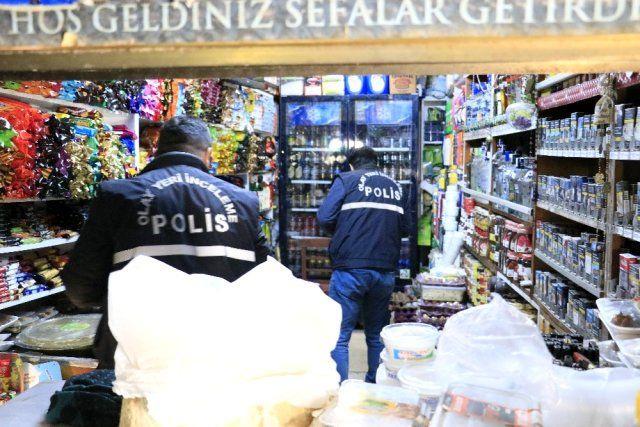 Olay yeri Adana! Silahla kız kardeşini korkutmak isterken kendini vurdu