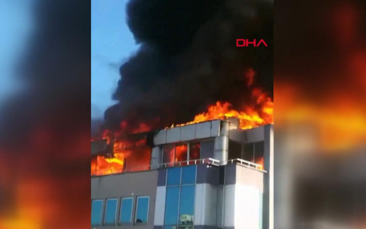 Antalya'da bir iş merkezinde yangın
