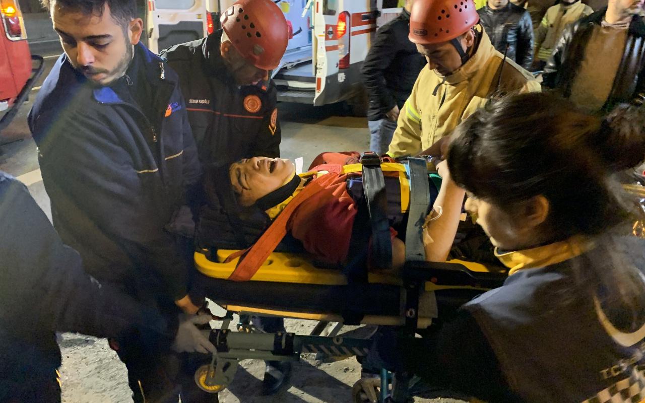 Kadıköy'de 14 yaşındaki sürücü kaza yaptı, bacağı koptu