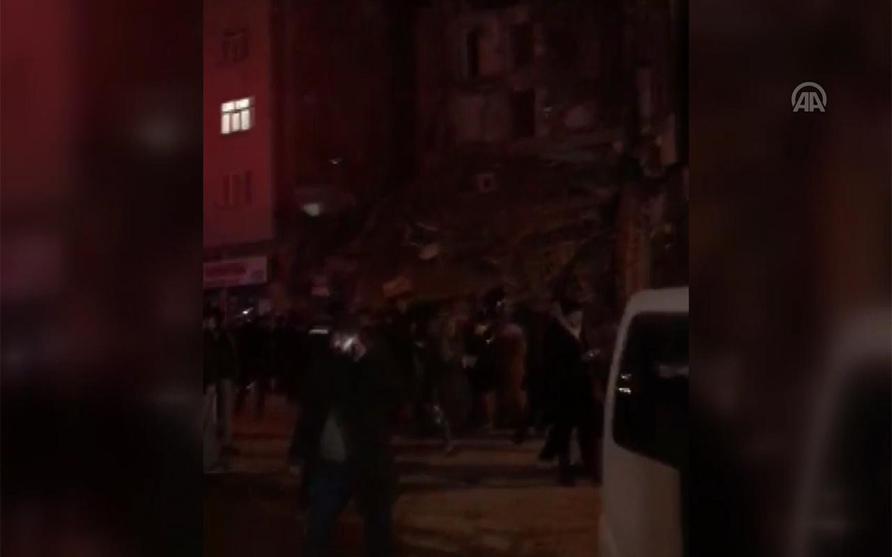Elazığ Sivrice'deki depremde yıkılan bina