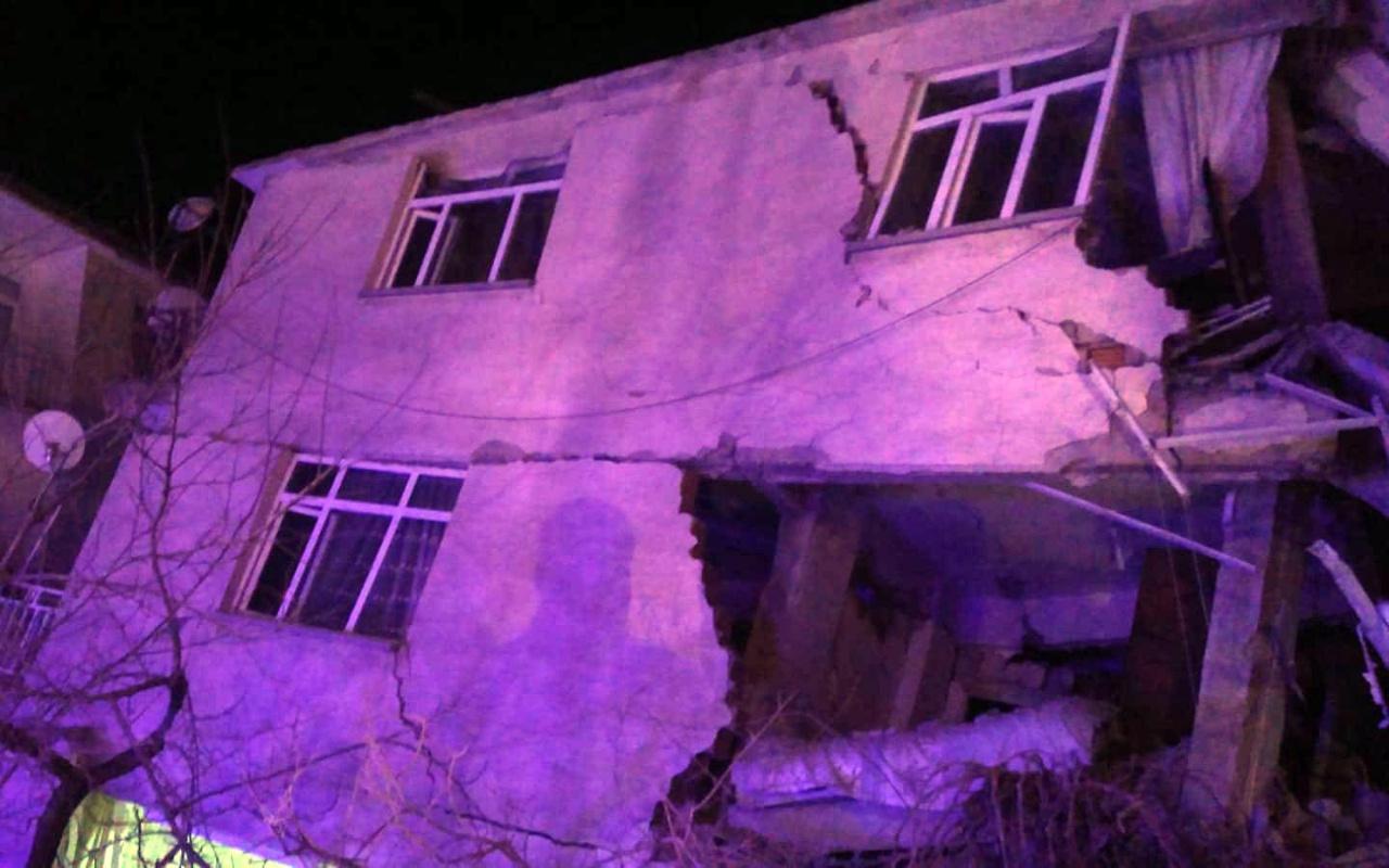 Elazığ Sivrice'deki depremden görüntüler