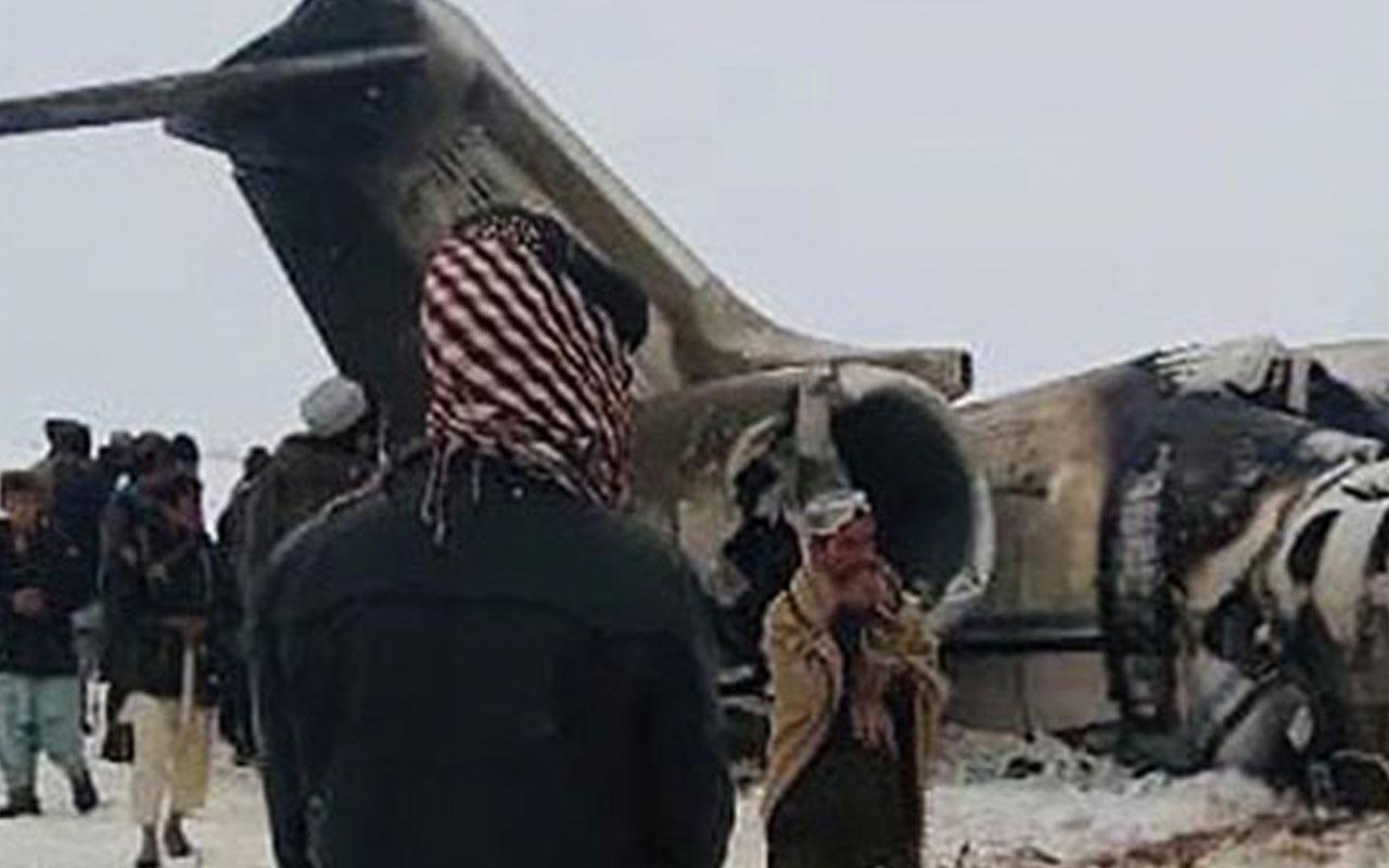 Cezayir'de askeri uçak düştü: Ölüler var
