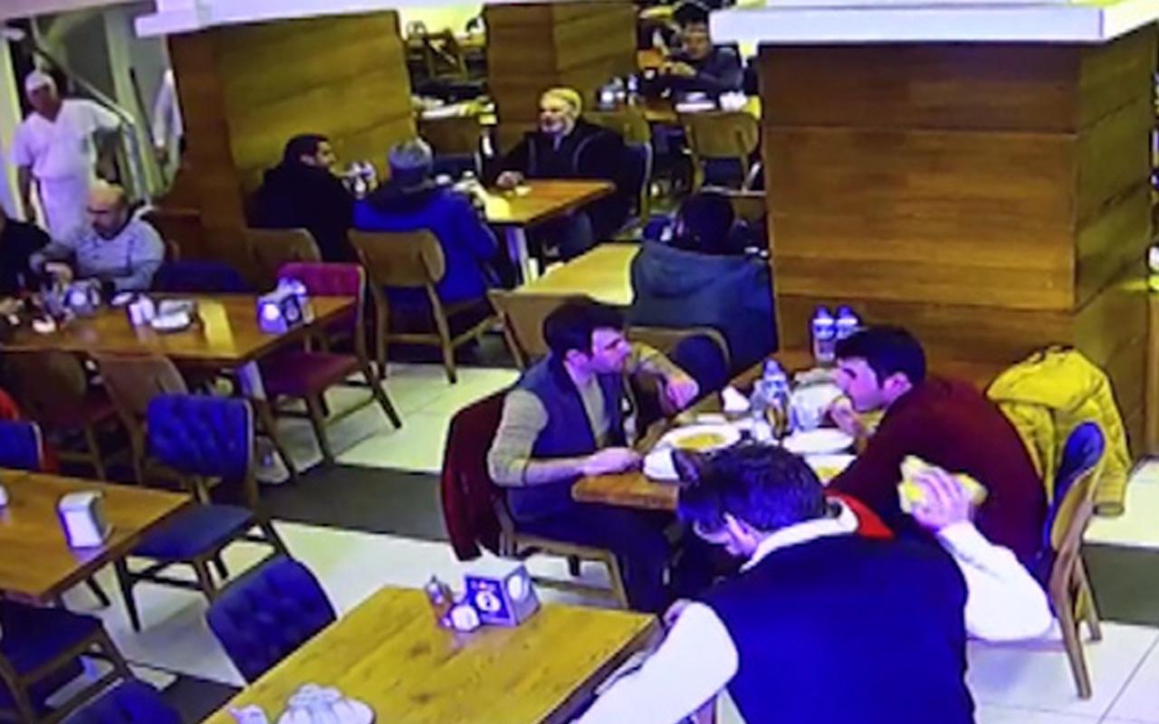 Manisa'da 4.8 büyüklüğünde deprem kameralara yansıdı