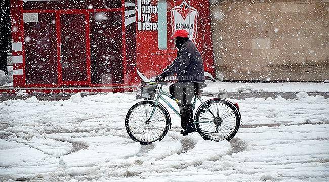 Perşembe İstanbul'da kar yağacak sıcaklıklar 8-10 derece düşecek!