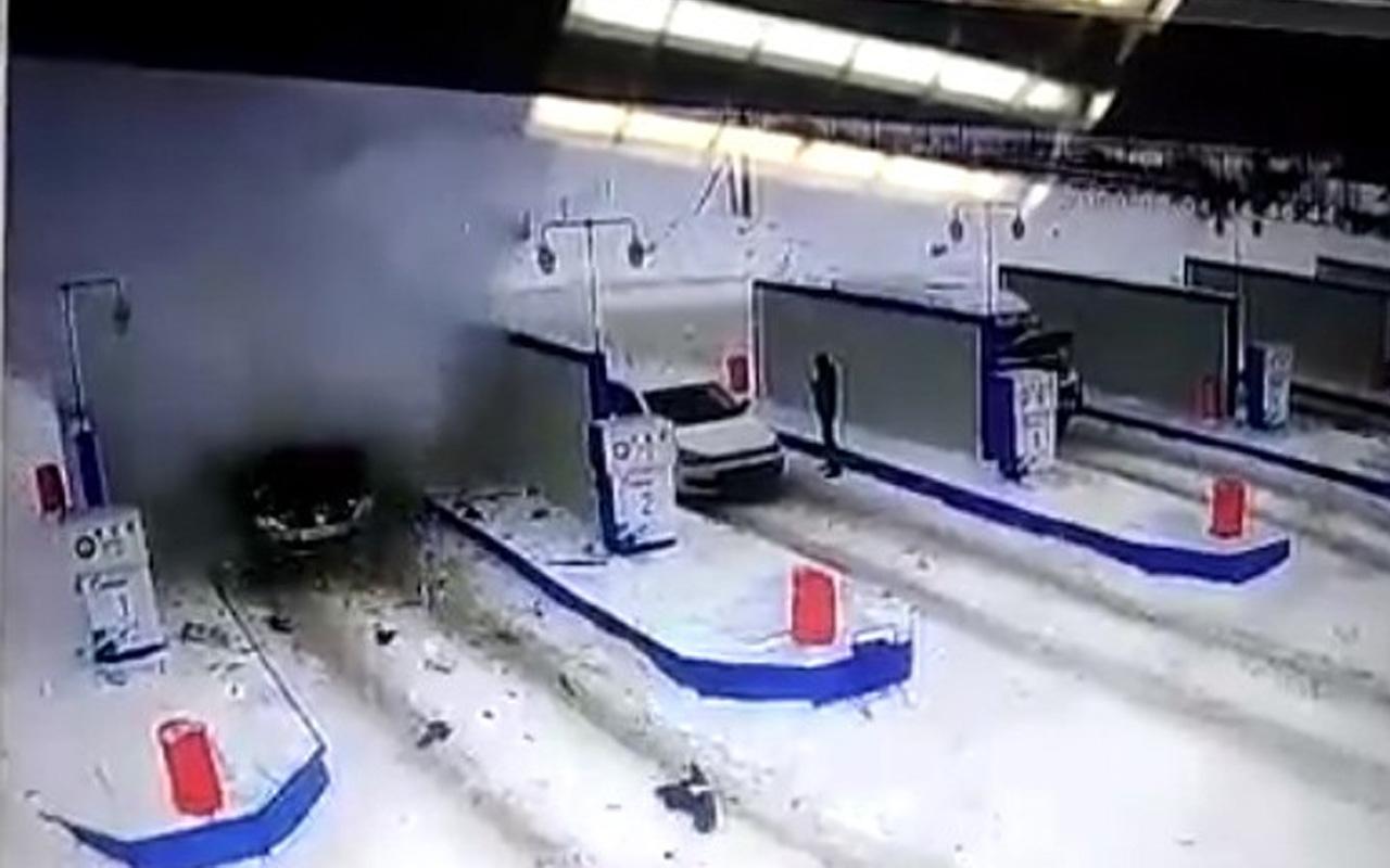 Rusya'da akaryakıt istasyonunda araçta patlama meydana geldi