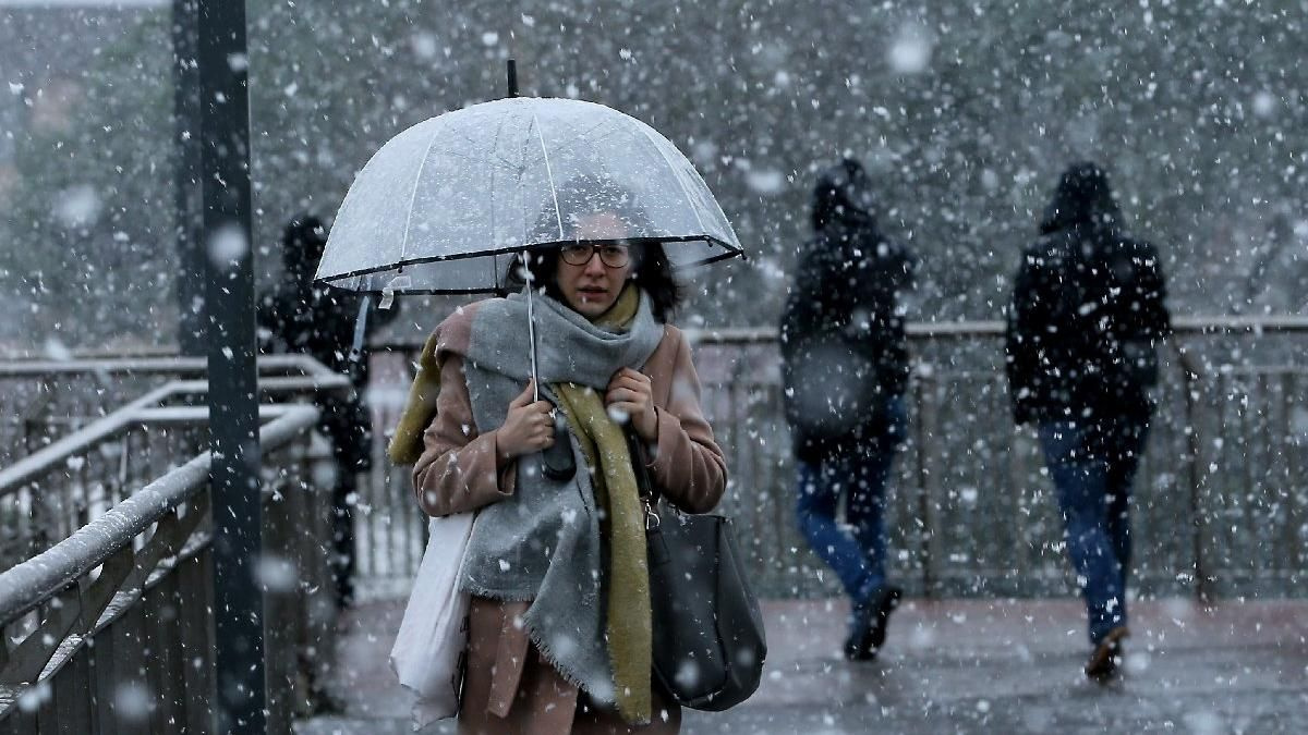 Perşembe günü yoğun kar var! Meteoroloji yarın için uyarı yayınladı