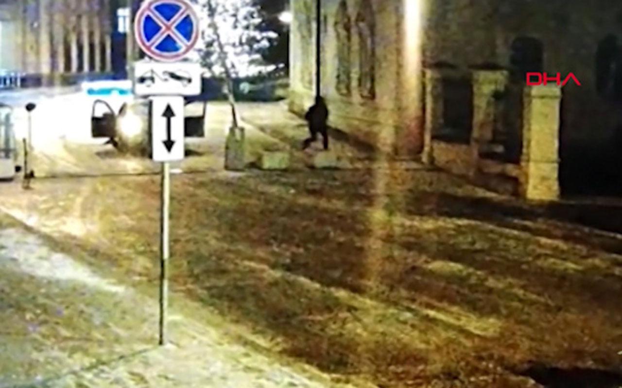 Rusya´da genç, çaldığı araçla İçişleri Bakanlığı binasının duvarına çarptı