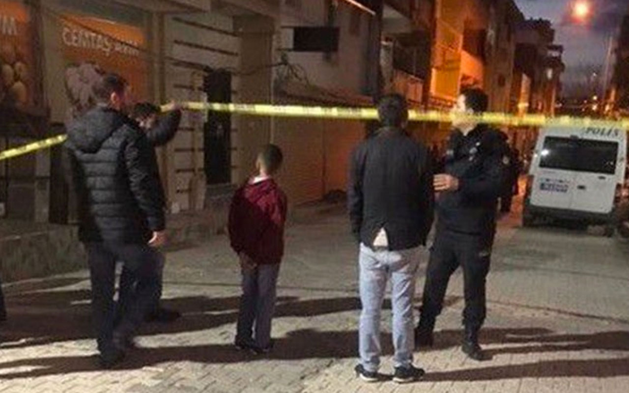 İzmir'de Suriyeli hamile anneyi bıçaklayıp oğlunu boğarak öldürdüler