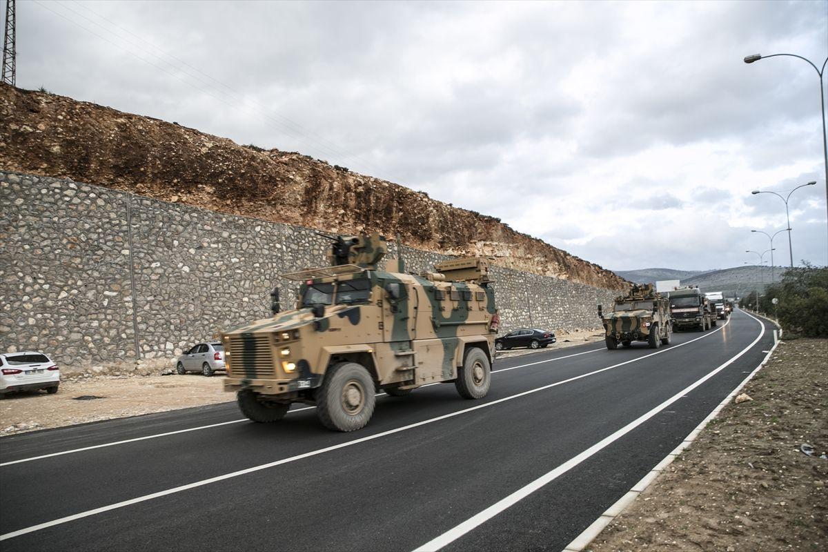 Suriye sınırına 200 araçlık askeri konvoy gönderildi