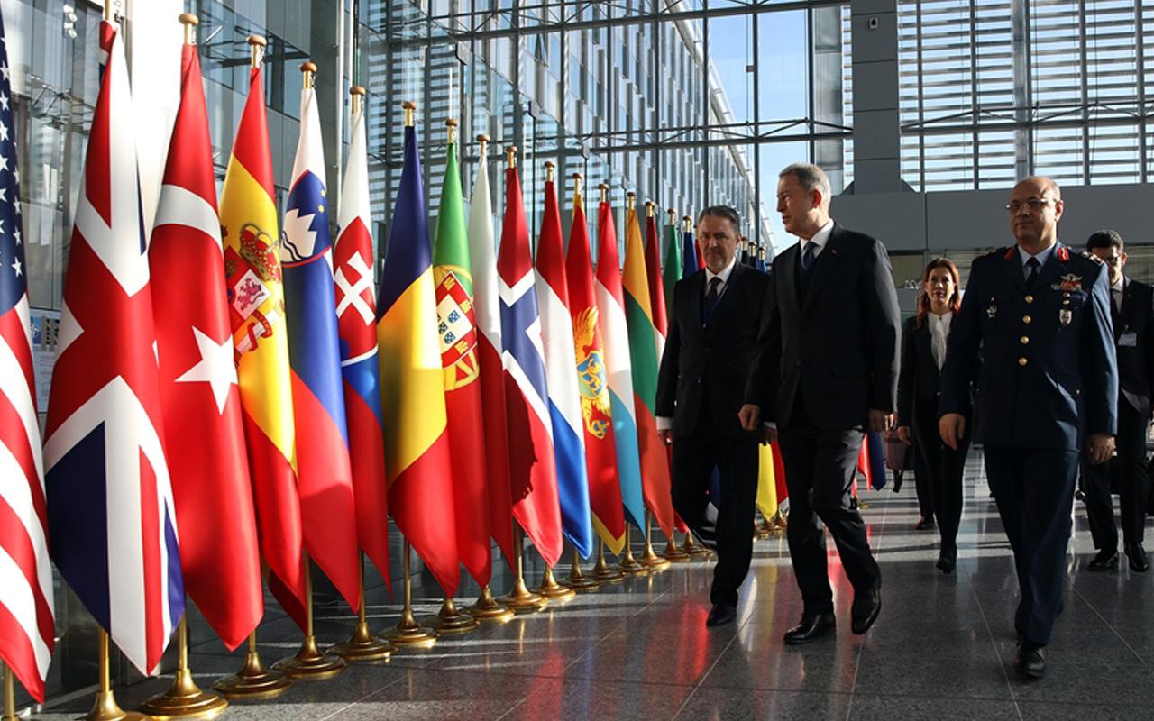 Milli Savunma Bakanı Hulusi Akar, Brüksel'de