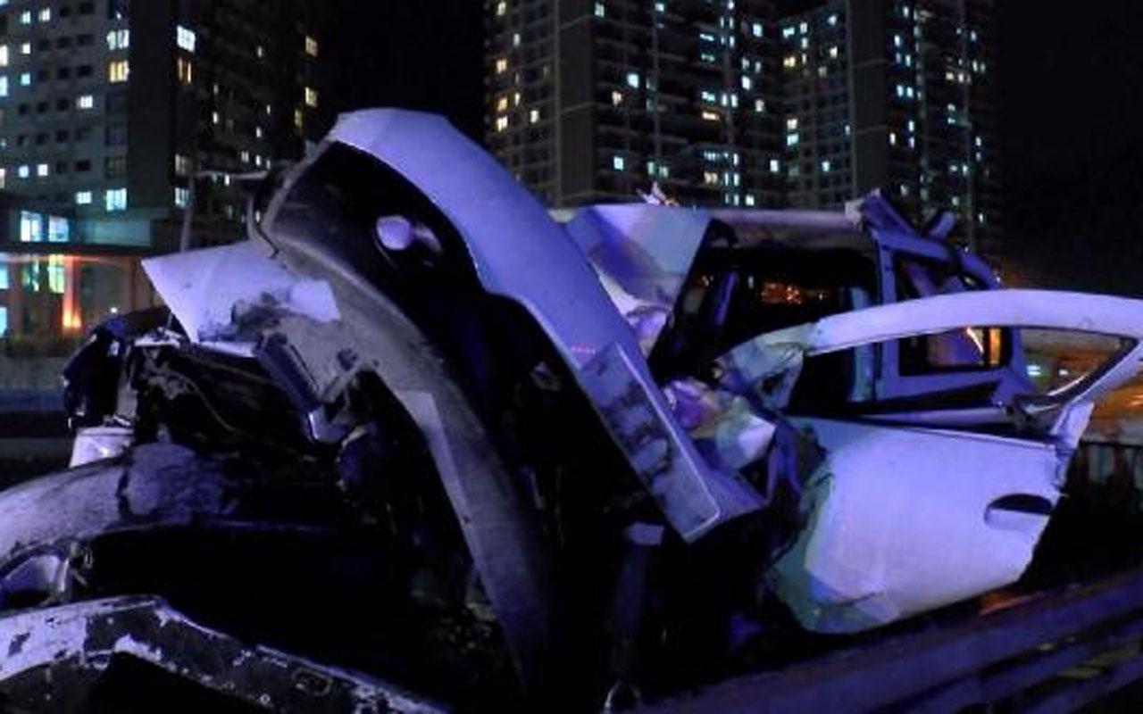 Başakşehir'de iki otomobil çarpıştı: 8 yaralı