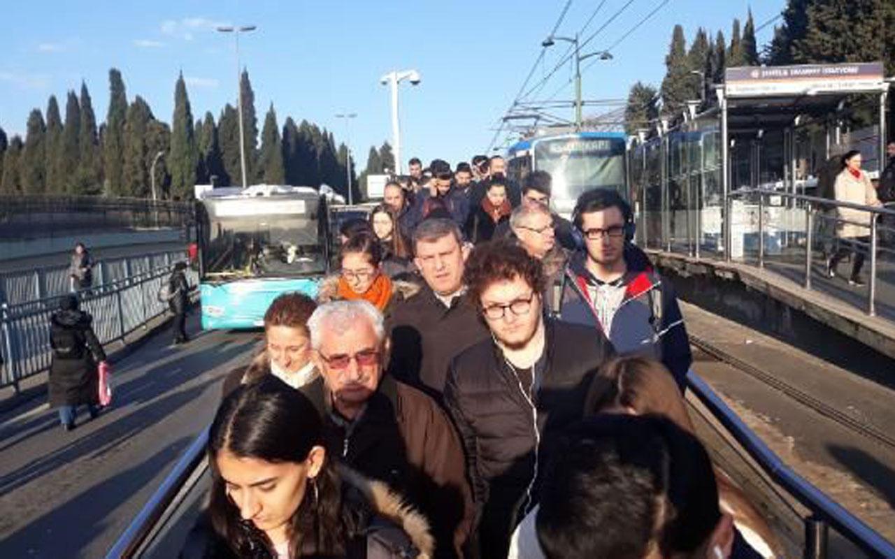 İstanbul'da tramvay seferlerinde arıza! İşe ve okullarına geç kaldılar